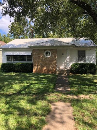 Bourbon County Single Family Home For Sale: 1203 S Main Street