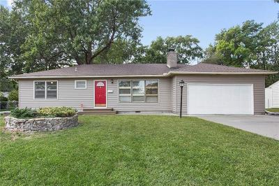 Olathe Single Family Home For Sale: 611 S Troost Street