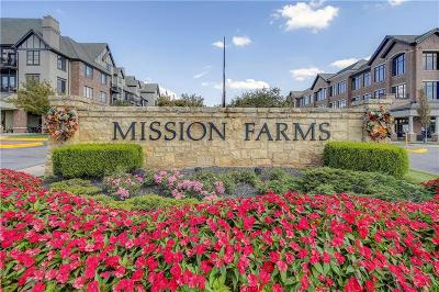 Leawood Condo/Townhouse For Sale: 10511 Mission Road #206