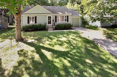 Prairie Village Single Family Home For Sale: 7832 Juniper Street