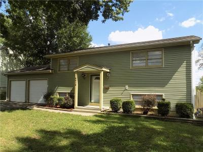 Raytown Single Family Home For Sale: 8615 Crescent Avenue