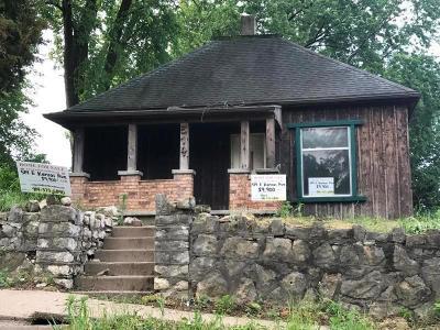 Buchanan County Single Family Home For Sale: 514 E Kansas Avenue #1
