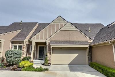 Olathe KS Condo/Townhouse For Sale: $270,000