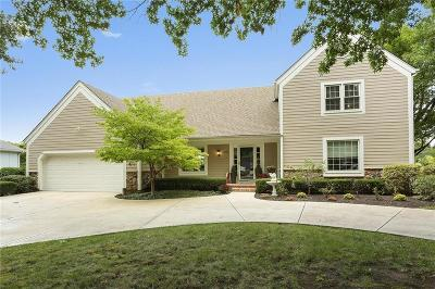 Kansas City Single Family Home For Sale: 606 Saint Andrews Drive