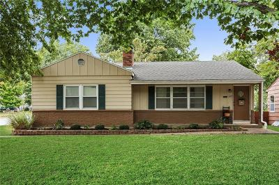 Single Family Home For Sale: 722 W 85th Street