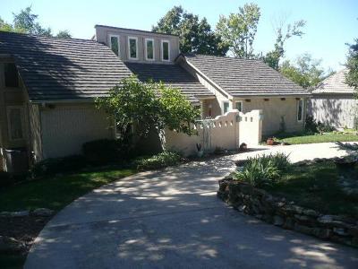 Lenexa Single Family Home For Sale: 8918 Hirning Road