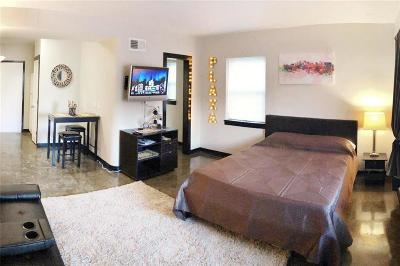 Condo/Townhouse For Sale: 4524 Broadway #1N