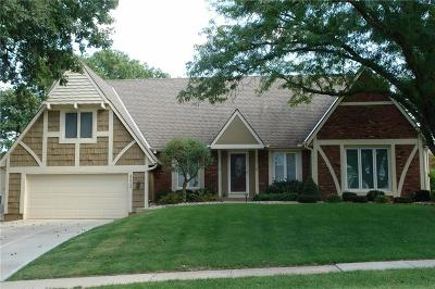 Lenexa Single Family Home For Sale: 8513 Bradshaw Street