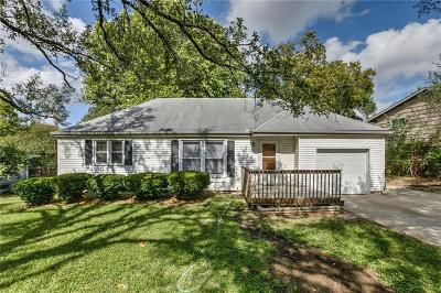 Single Family Home For Sale: 7310 NW Park Forest Lane