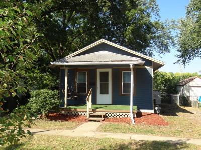 Jackson County Single Family Home For Sale: 1532 S Plesant Street
