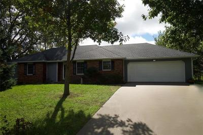 Andrew County Single Family Home For Sale: 1202 W Pawnee Street