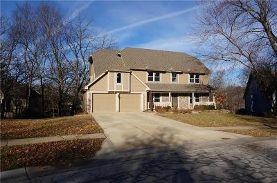 Lenexa Single Family Home For Sale: 8320 Richards Road