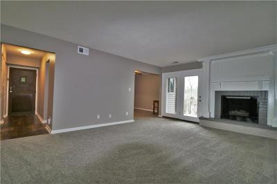 Mission, Overland Park, Shawnee, Shawnee Mission Condo/Townhouse For Sale: 10120 W 96th Street #F