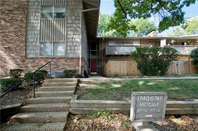 Overland Park Condo/Townhouse For Sale: 8740 Metcalf Avenue #203C