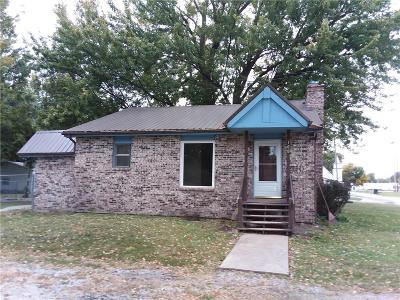 Single Family Home For Sale: 100 SE 4th Street