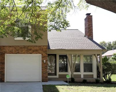 Overland Park Condo/Townhouse For Sale: 9809 W 83rd Terrace