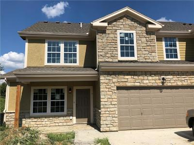 Overland Park Condo/Townhouse For Sale: 16059 Fontana Street #201