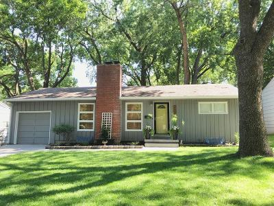 Overland Park Single Family Home For Sale: 7131 Robinson Street