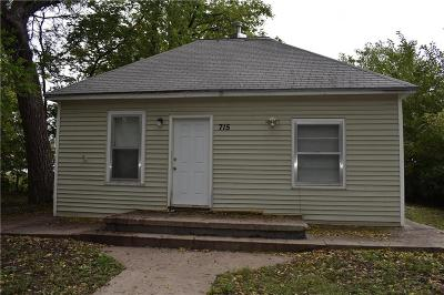 Riley County Single Family Home For Sale: 715 Yuma Street