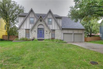 Lenexa Single Family Home For Sale: 9430 Tomashaw Lane
