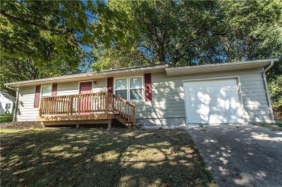 Kansas City KS Single Family Home For Sale: $125,000