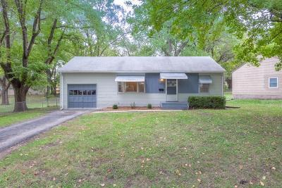 Shawnee Single Family Home For Sale: 6725 Barton Street