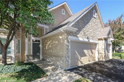 Overland Park Condo/Townhouse For Sale: 4503 W 159th Terrace #220