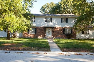 Cameron Single Family Home For Sale: 106 Redbud Lane