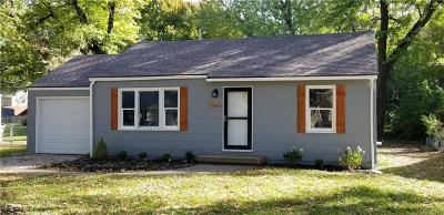 Overland Park Single Family Home For Sale: 7525 Newton Street