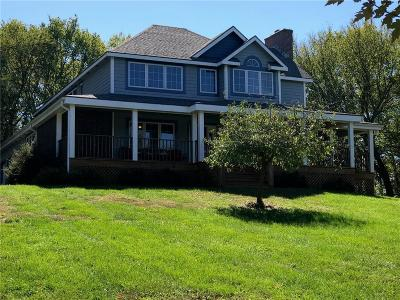 Paola Single Family Home For Sale: 3003 Lakeview Circle