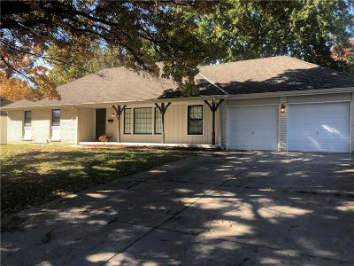 Raytown Single Family Home For Sale: 6608 Claremont Avenue