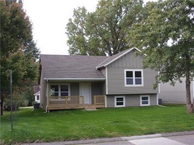 Paola Single Family Home For Sale: 505 E Osage Street