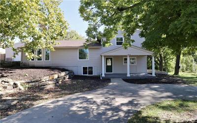 Overland Park KS Single Family Home For Sale: $375,000
