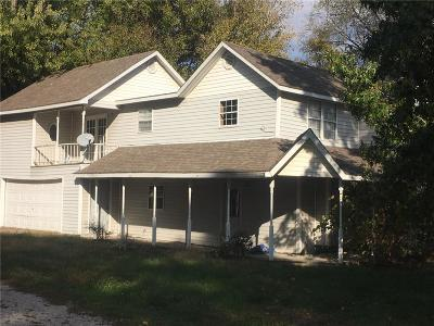 Warrensburg Single Family Home For Sale: 87 NW 800 Road