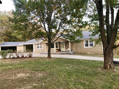 Ray County Single Family Home Contingent: 15935 Hwy C