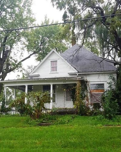 Single Family Home Auction: 408 E Aurthur Street