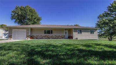 Jefferson County Single Family Home For Sale: 104 N Oak Street