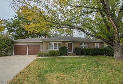 Overland Park Single Family Home For Sale: 5916 W 102nd Street