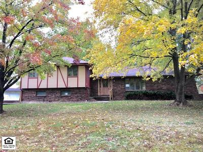 Vernon County Single Family Home For Sale: 1700 W Allison Street