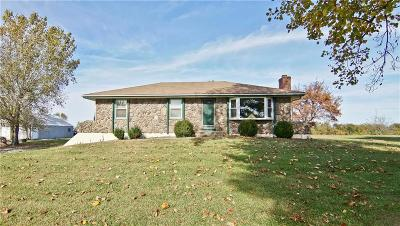 Garden City MO Single Family Home For Sale: $220,000
