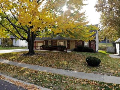 Overland Park Single Family Home For Sale: 8209 W 72nd Terrace