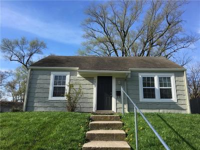 Single Family Home For Sale: 5017 Forest Avenue