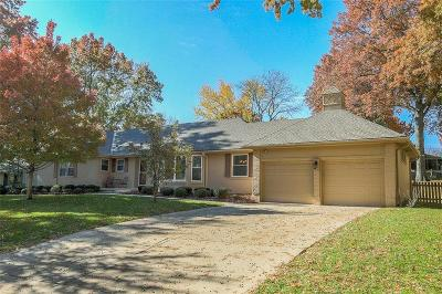 Leawood Single Family Home For Sale: 10326 Meadow Lane