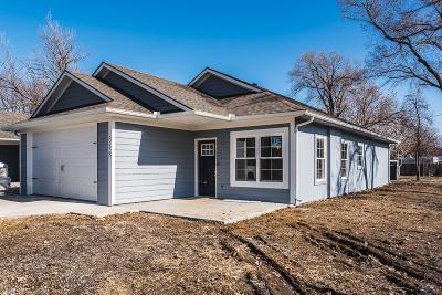 Linwood Single Family Home For Sale: 318 Park Street