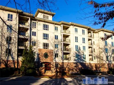 Condo/Townhouse For Sale: 4949 Wornall Road #206