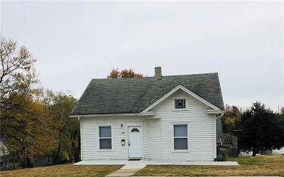 Atchison Single Family Home For Sale: 120 N 16th Street