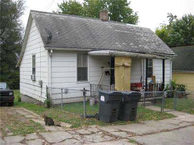 St Joseph Single Family Home For Sale: 815 S 20 Street