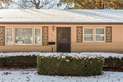 Kansas City Single Family Home For Sale: 613 E 105th Street