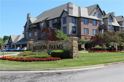 Leawood Condo/Townhouse For Sale: 10531 Mission Road #308
