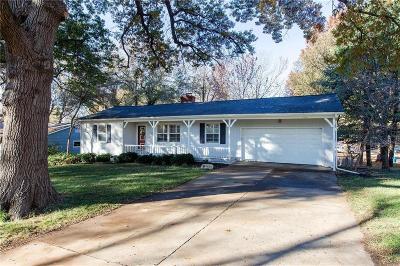 Johnson-KS County Single Family Home For Sale: 7740 Windsor Street